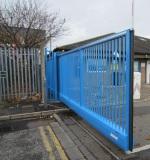Inova Cantilevered Sliding gate